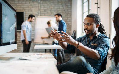 5 façons d'améliorer le fonctionnement du bureau hybride grâce à l'analyse de l'environnement de travail